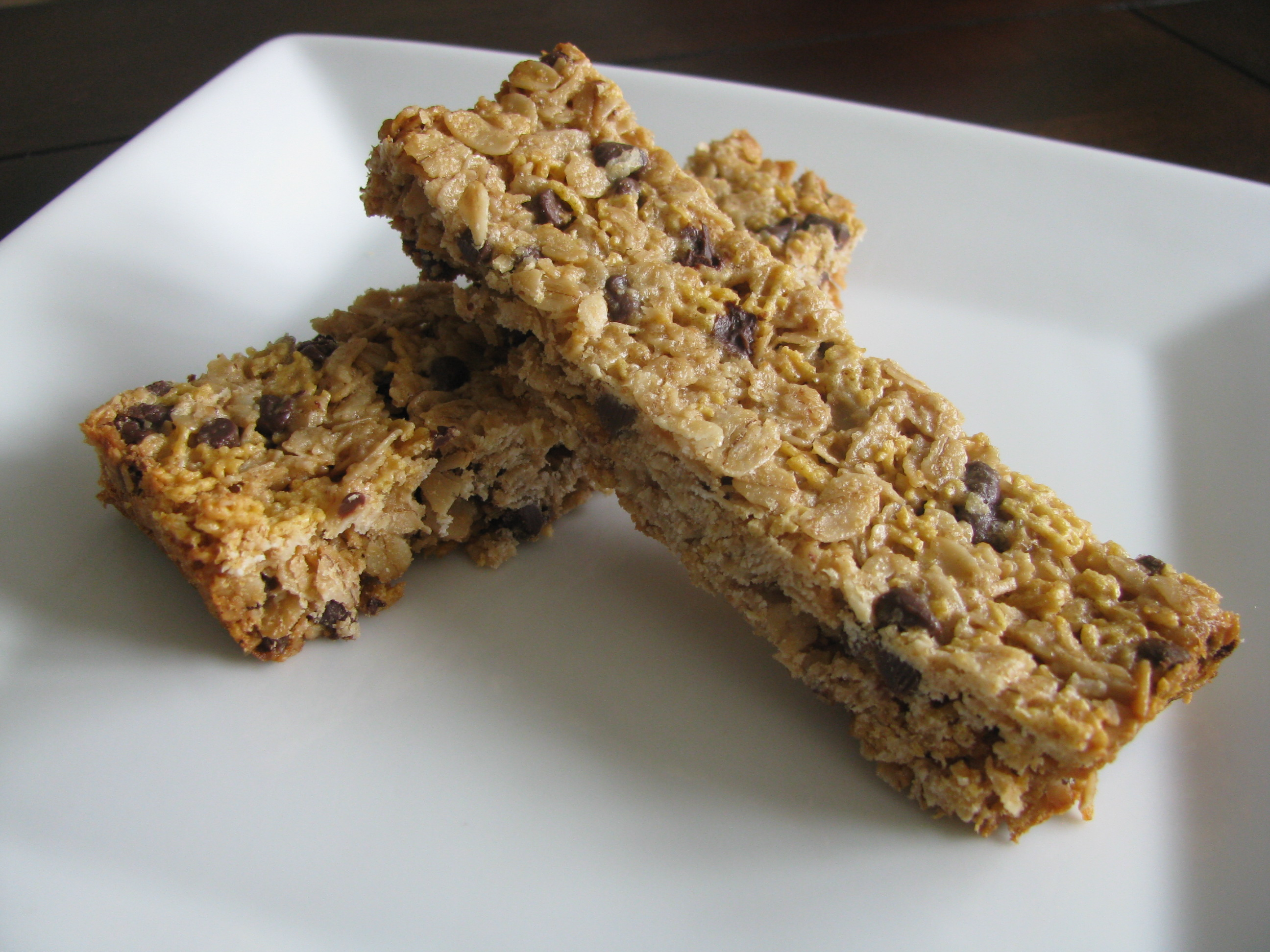 Chewy Chocolate Chip Granola Bars | Stick a Fork in It
