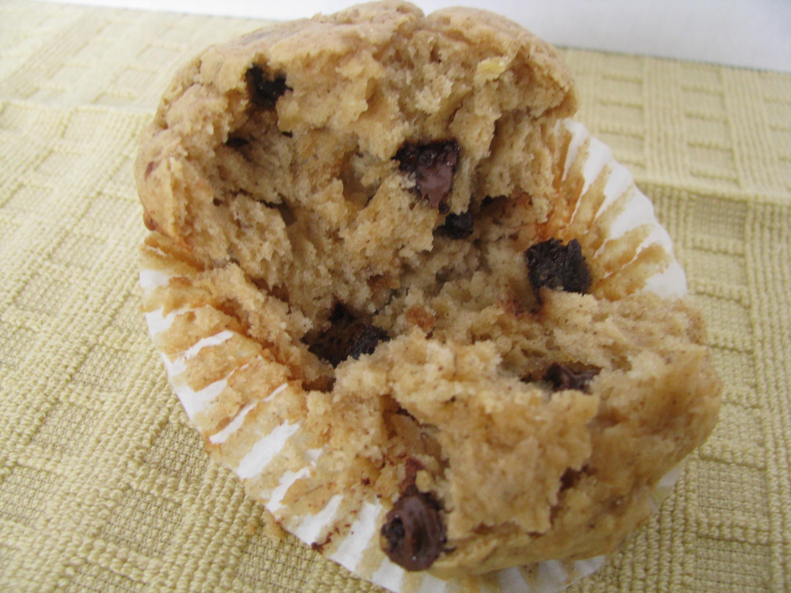peanut butter banana chocolate chip muffins yields 18 muffins