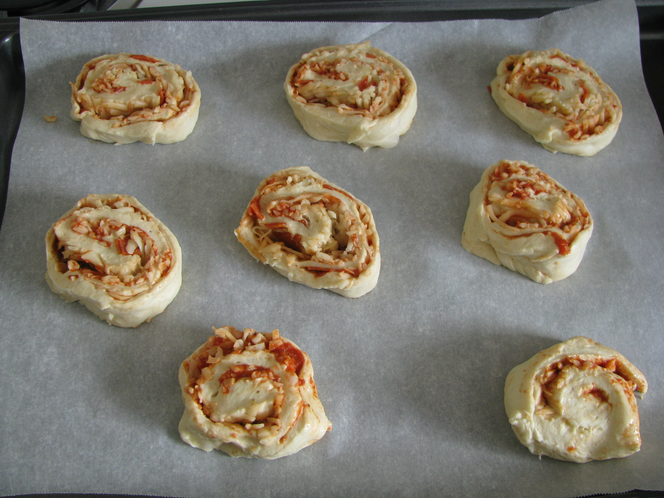 040 - pizza roll